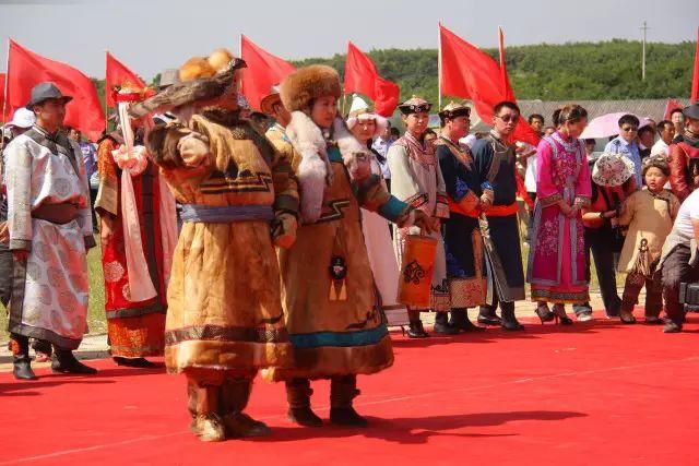达斡尔族的服饰、文化 第1张