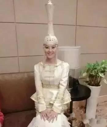 蒙古族姑娘婚礼头饰 第8张