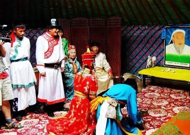 【阿启泰】感受蒙古传统文化,体验察哈尔婚礼之美 第10张 【阿启泰】感受蒙古传统文化,体验察哈尔婚礼之美 蒙古文化