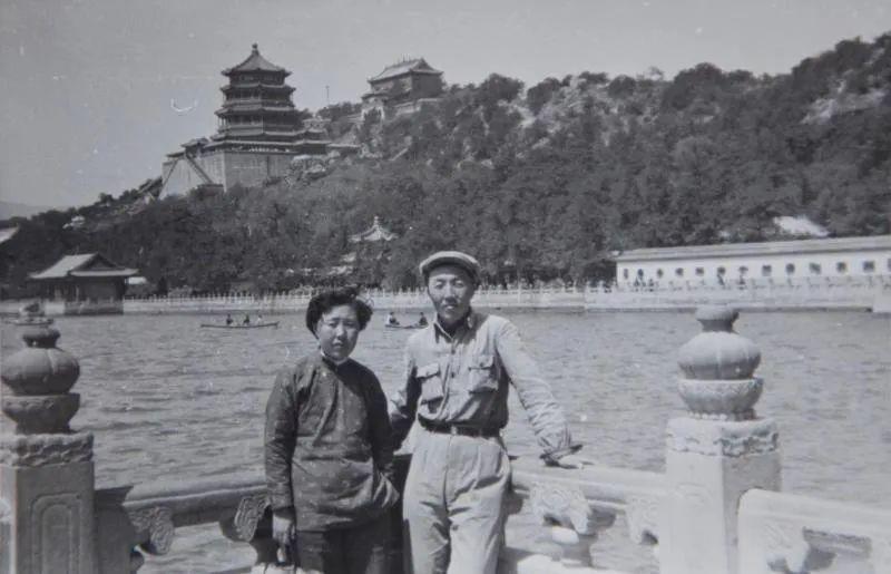 身边的名家丨剧作家超克图纳仁和琴子 第3张 身边的名家丨剧作家超克图纳仁和琴子 蒙古文化