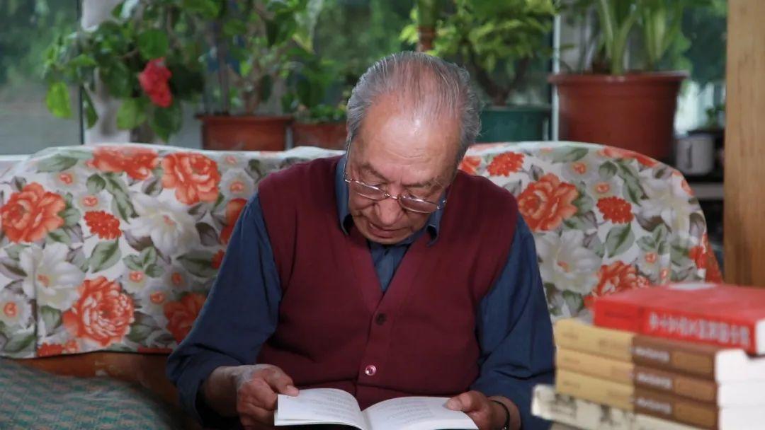 身边的名家   翻译家胡尔查 第1张 身边的名家   翻译家胡尔查 蒙古文化