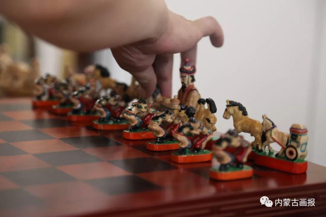游牧生活中的智慧较量——蒙古族传统象棋和鹿棋子 第13张