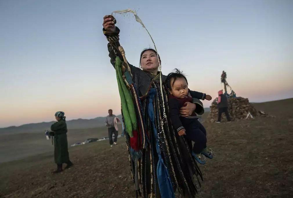 英国《卫报》(The Guardian):蒙古的萨满祭祀仪式(高清组图) 第4张 英国《卫报》(The Guardian):蒙古的萨满祭祀仪式(高清组图) 蒙古文化
