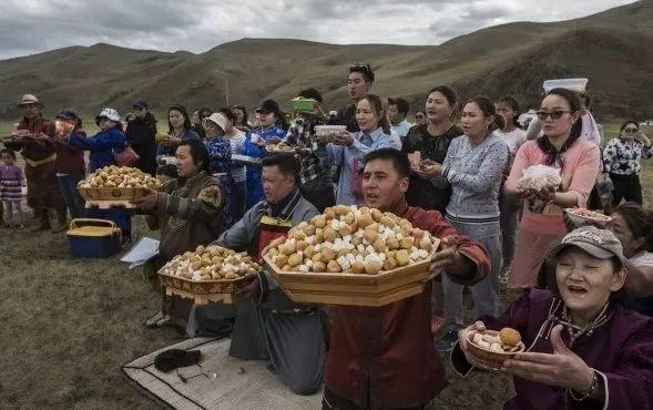 英国《卫报》(The Guardian):蒙古的萨满祭祀仪式(高清组图) 第17张 英国《卫报》(The Guardian):蒙古的萨满祭祀仪式(高清组图) 蒙古文化