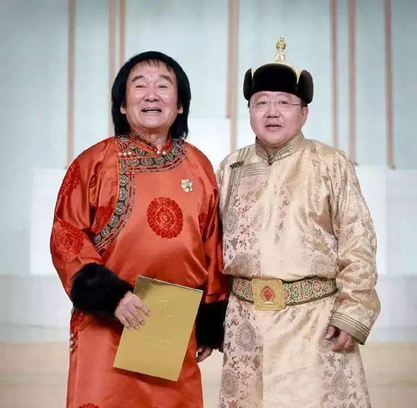 """蒙古国总统通过驻华大使丹巴·冈呼雅格为腾格尔颁发了 """"北极星勋章"""" 第15张 蒙古国总统通过驻华大使丹巴·冈呼雅格为腾格尔颁发了 """"北极星勋章"""" 蒙古音乐"""