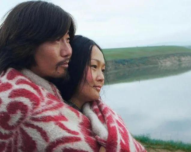 蒙古语电影《白云之下》已经上映了 第3张 蒙古语电影《白云之下》已经上映了 蒙古音乐