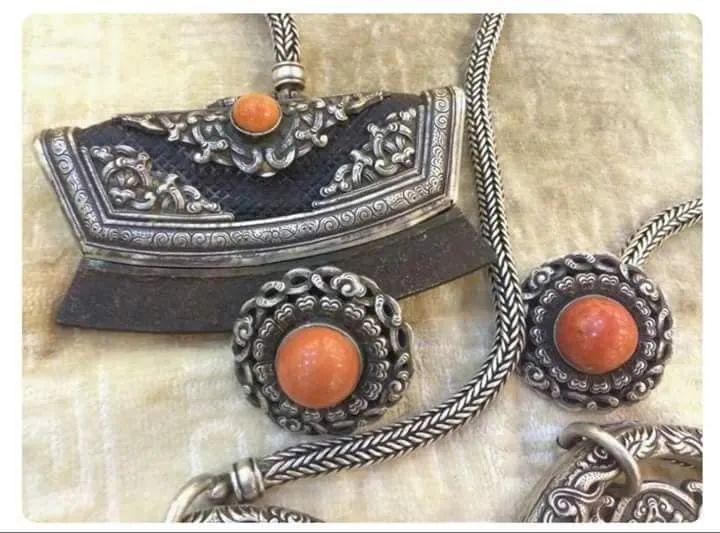 蒙古族佩刀装饰艺术 第5张