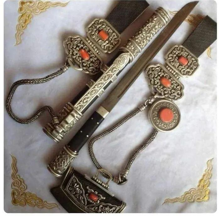 蒙古族佩刀装饰艺术 第2张
