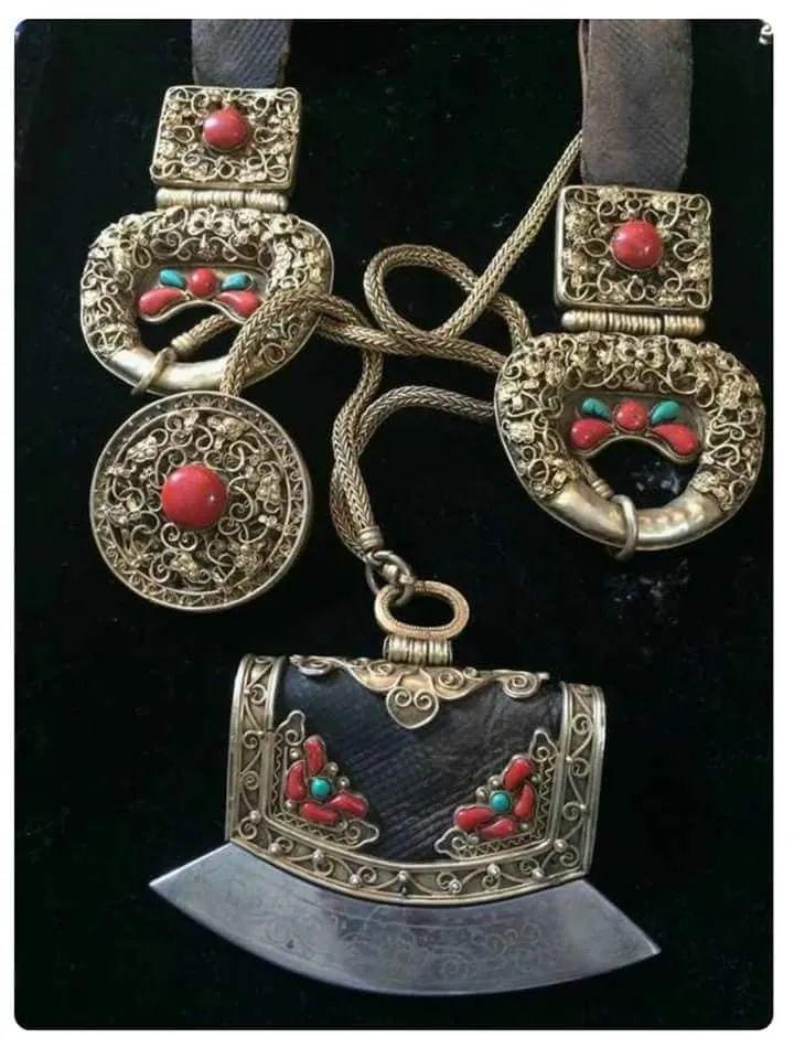 蒙古族佩刀装饰艺术 第7张