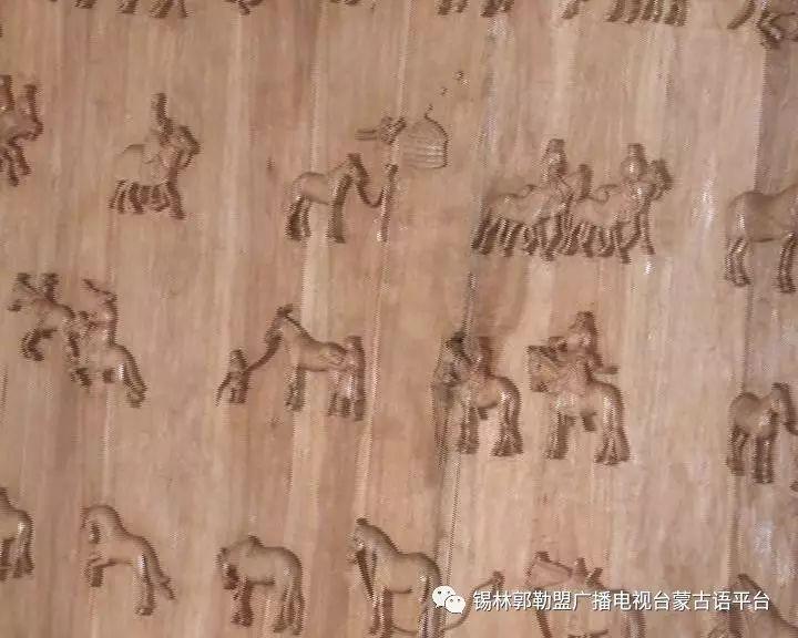 高·哈斯巴根雕刻的《蒙古族马文化经典木雕》作品与观众见面【蒙古文】 第5张