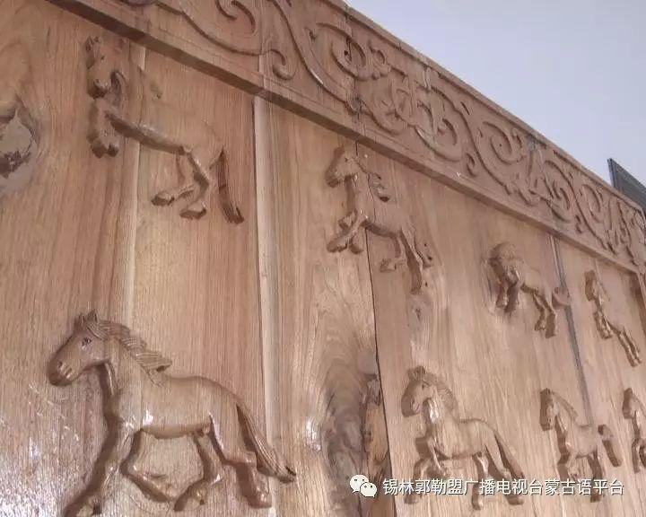 高·哈斯巴根雕刻的《蒙古族马文化经典木雕》作品与观众见面【蒙古文】 第13张
