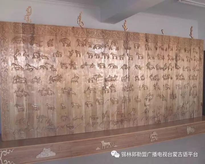 高·哈斯巴根雕刻的《蒙古族马文化经典木雕》作品与观众见面【蒙古文】 第16张