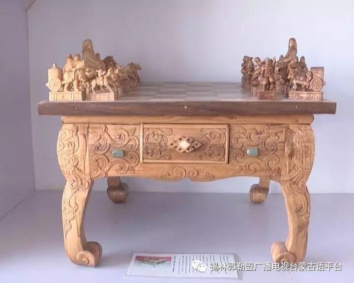 高·哈斯巴根雕刻的《蒙古族马文化经典木雕》作品与观众见面【蒙古文】 第20张