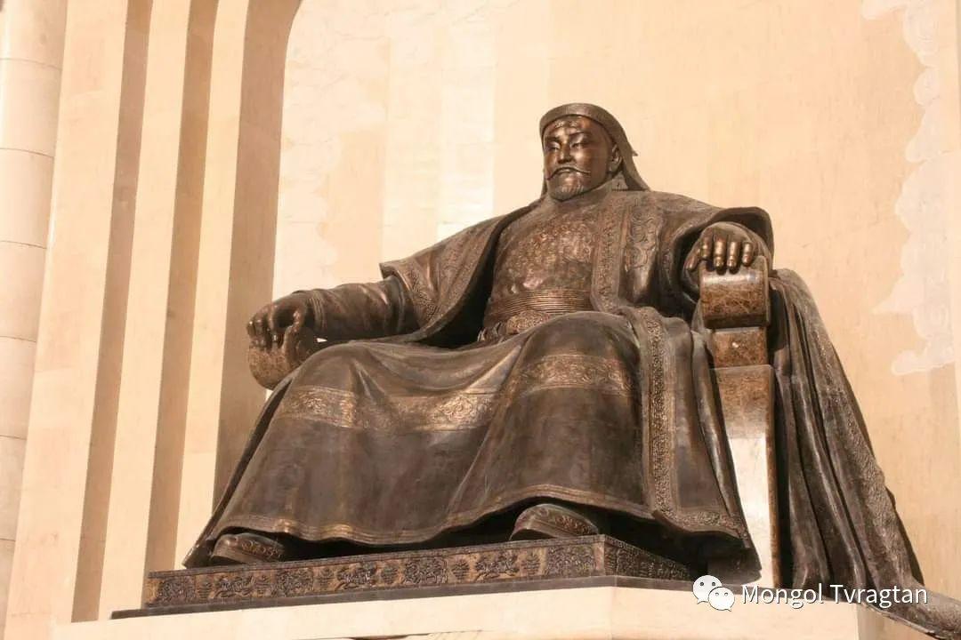 ᠤᠷᠠᠨ ᠪᠠᠷᠢᠮᠠᠯᠴᠢ - ᠯ᠂ ᠪᠤᠯᠤᠳ蒙古国雕塑家- 乐,宝力道 第1张 ᠤᠷᠠᠨ ᠪᠠᠷᠢᠮᠠᠯᠴᠢ - ᠯ᠂ ᠪᠤᠯᠤᠳ蒙古国雕塑家- 乐,宝力道 蒙古画廊