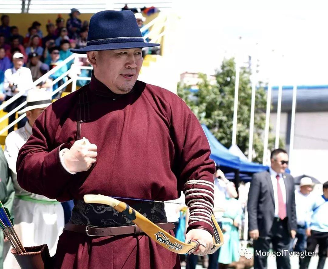 ᠮᠣᠩᠭᠣᠯ ᠨᠠᠭᠠᠳᠣᠮ 那达慕 第18张 ᠮᠣᠩᠭᠣᠯ ᠨᠠᠭᠠᠳᠣᠮ 那达慕 蒙古文化