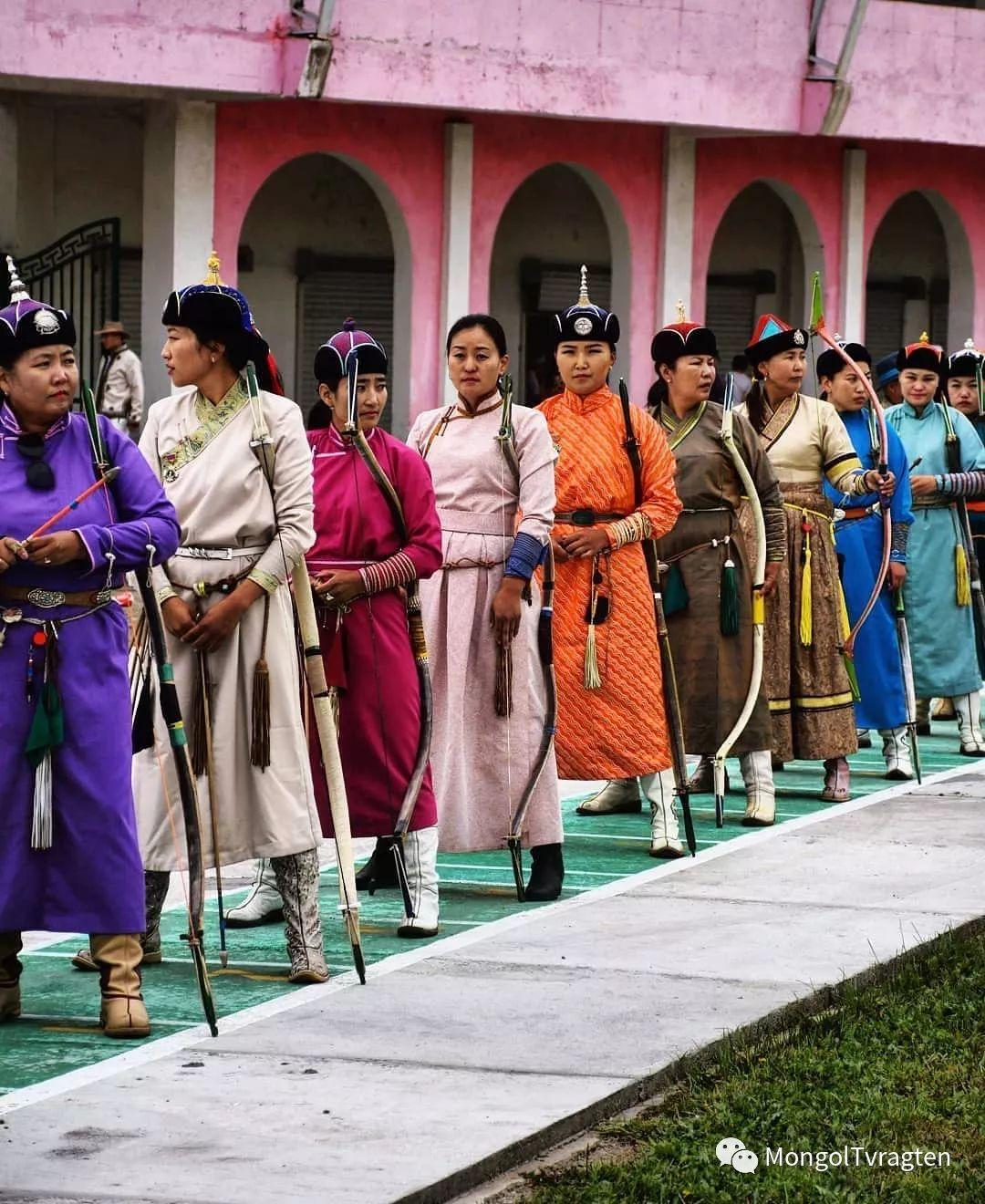 ᠮᠣᠩᠭᠣᠯ ᠨᠠᠭᠠᠳᠣᠮ 那达慕 第30张 ᠮᠣᠩᠭᠣᠯ ᠨᠠᠭᠠᠳᠣᠮ 那达慕 蒙古文化