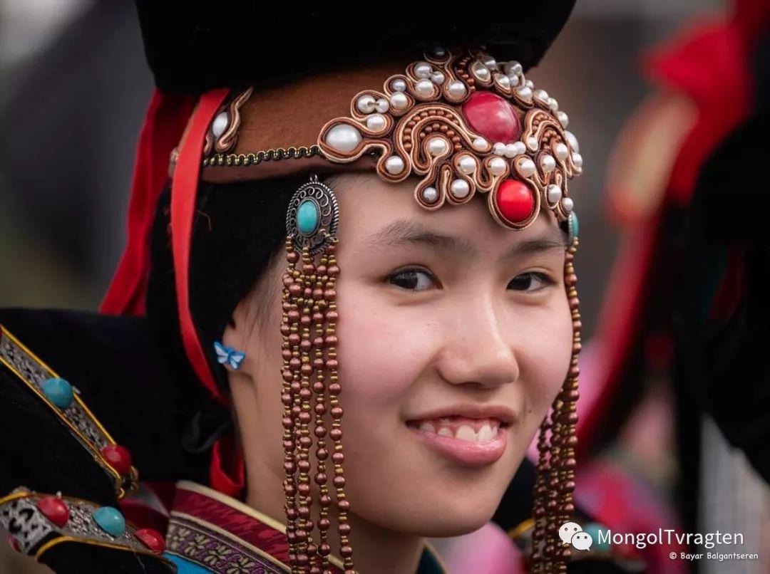 ᠮᠣᠩᠭᠣᠯ ᠨᠠᠭᠠᠳᠣᠮ 那达慕 第34张 ᠮᠣᠩᠭᠣᠯ ᠨᠠᠭᠠᠳᠣᠮ 那达慕 蒙古文化