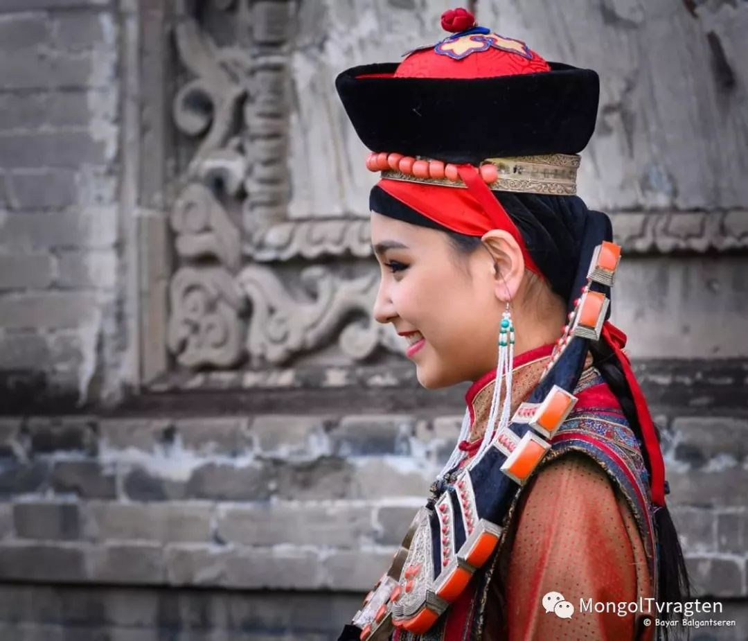 ᠮᠣᠩᠭᠣᠯ ᠨᠠᠭᠠᠳᠣᠮ 那达慕 第35张 ᠮᠣᠩᠭᠣᠯ ᠨᠠᠭᠠᠳᠣᠮ 那达慕 蒙古文化
