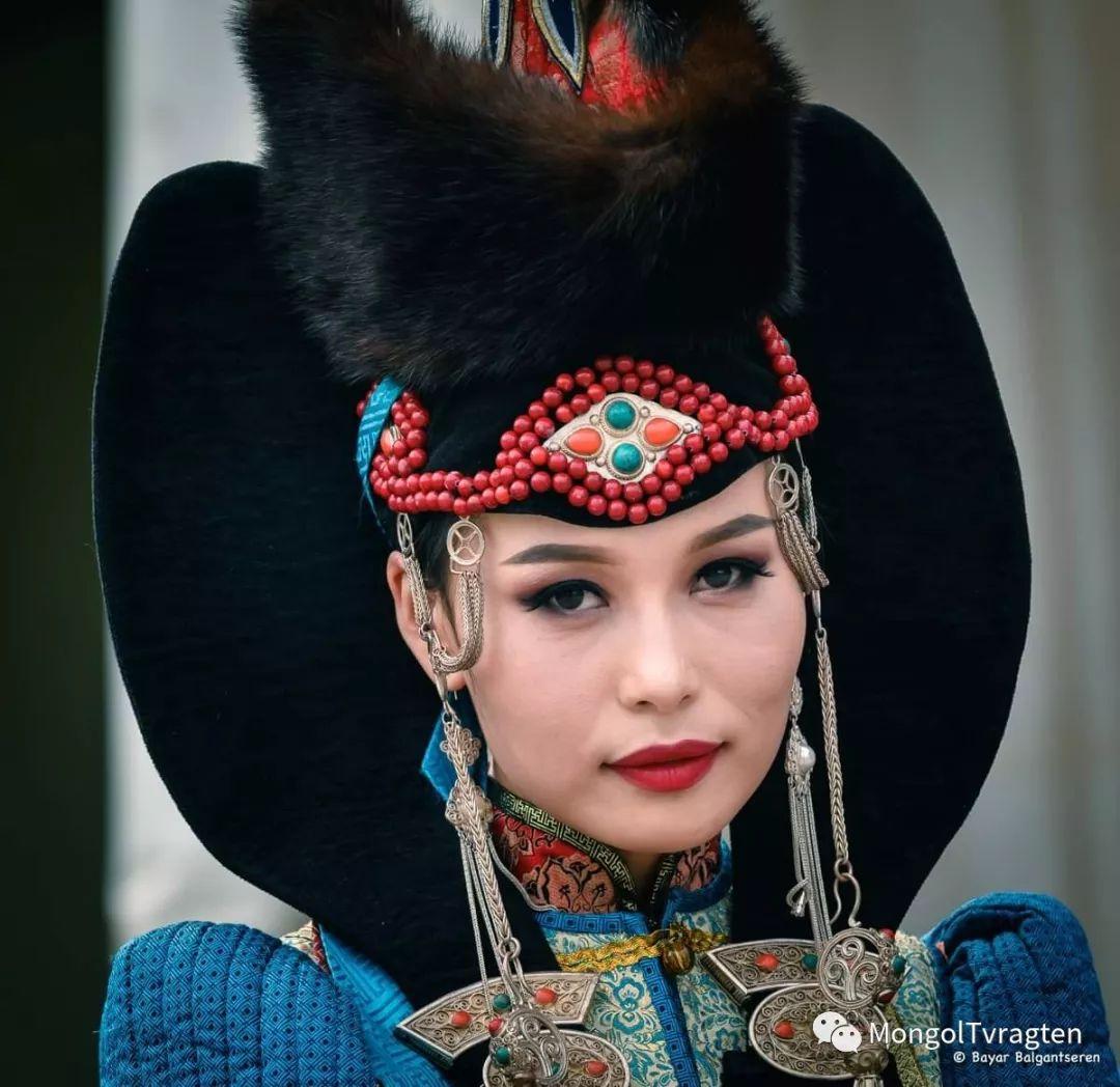 ᠮᠣᠩᠭᠣᠯ ᠨᠠᠭᠠᠳᠣᠮ 那达慕 第44张 ᠮᠣᠩᠭᠣᠯ ᠨᠠᠭᠠᠳᠣᠮ 那达慕 蒙古文化