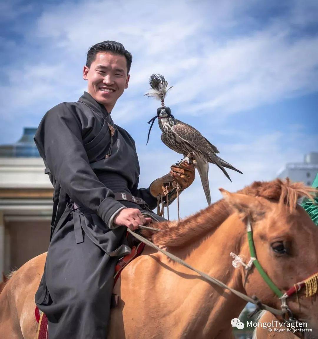 ᠮᠣᠩᠭᠣᠯ ᠨᠠᠭᠠᠳᠣᠮ 那达慕 第46张 ᠮᠣᠩᠭᠣᠯ ᠨᠠᠭᠠᠳᠣᠮ 那达慕 蒙古文化