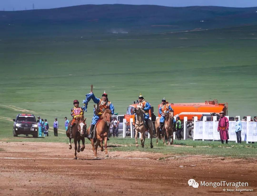 ᠮᠣᠩᠭᠣᠯ ᠨᠠᠭᠠᠳᠣᠮ 那达慕 第45张 ᠮᠣᠩᠭᠣᠯ ᠨᠠᠭᠠᠳᠣᠮ 那达慕 蒙古文化