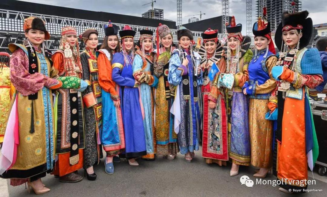 ᠮᠣᠩᠭᠣᠯ ᠨᠠᠭᠠᠳᠣᠮ 那达慕 第53张 ᠮᠣᠩᠭᠣᠯ ᠨᠠᠭᠠᠳᠣᠮ 那达慕 蒙古文化