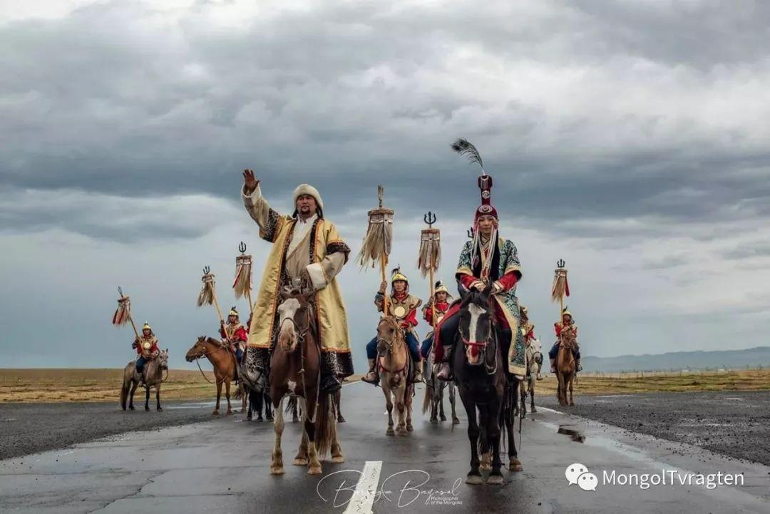 ᠮᠣᠩᠭᠣᠯ ᠨᠠᠭᠠᠳᠣᠮ 那达慕 第68张 ᠮᠣᠩᠭᠣᠯ ᠨᠠᠭᠠᠳᠣᠮ 那达慕 蒙古文化