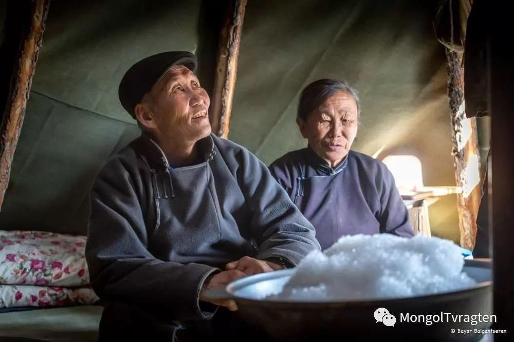 ᠴᠠᠲᠠᠨ ᠢᠷᠭᠡᠳ- ᠪᠠᠶᠠᠷ 第14张 ᠴᠠᠲᠠᠨ ᠢᠷᠭᠡᠳ- ᠪᠠᠶᠠᠷ 蒙古文化