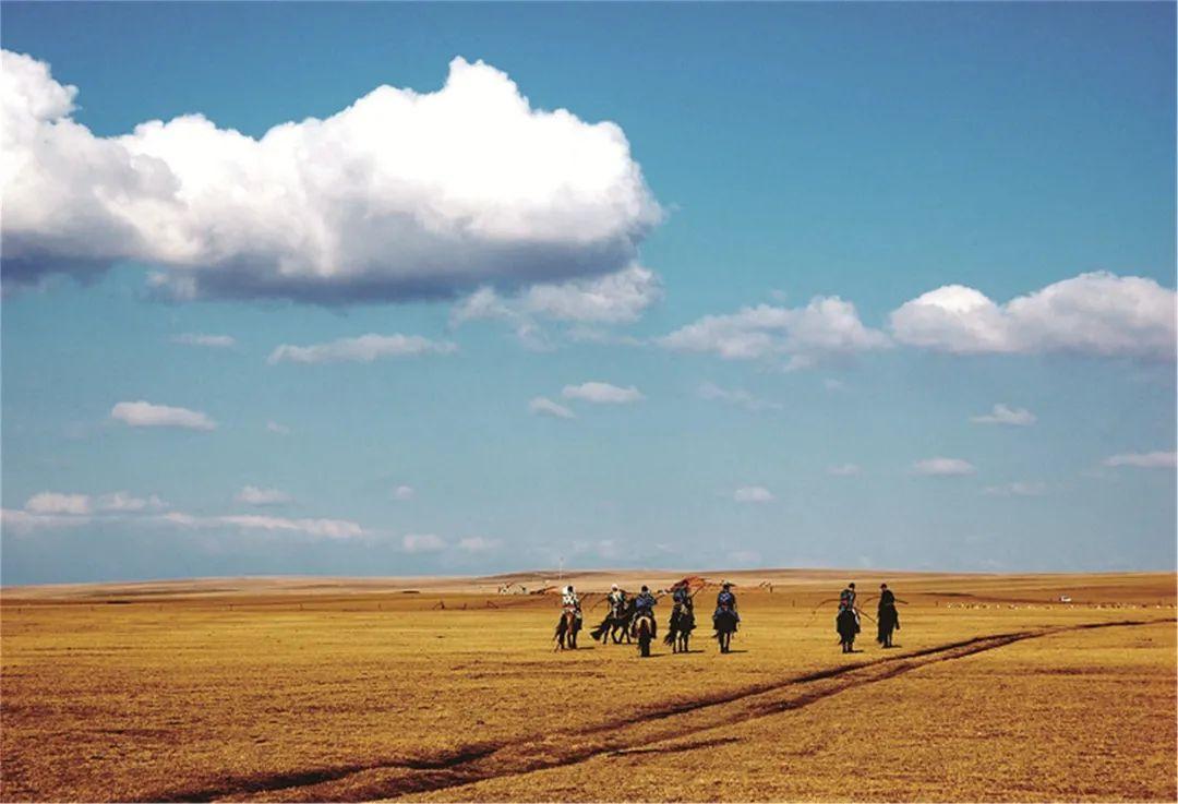 秋天的乌珠穆沁草原,太美了! 第7张 秋天的乌珠穆沁草原,太美了! 蒙古文化