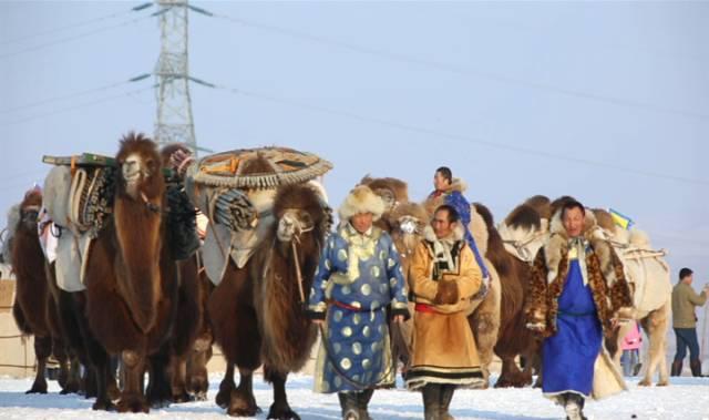 银色乌珠穆沁草原——绚丽的蒙古袍 第3张