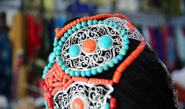 银色乌珠穆沁草原——绚丽的蒙古袍 第7张