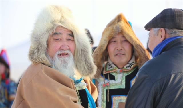 银色乌珠穆沁草原——绚丽的蒙古袍 第10张