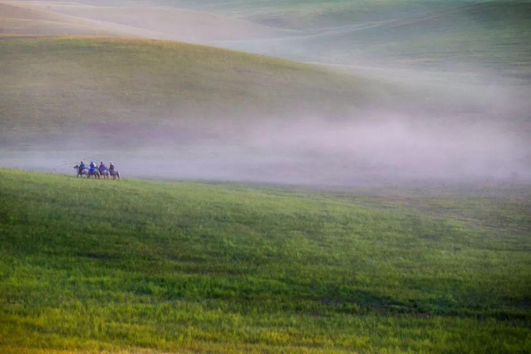 乌珠穆沁草原上的人们... ...