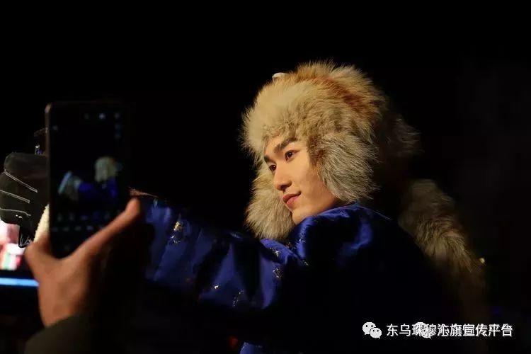 乌珠穆沁传统民族服饰,美得惊艳众人 第9张
