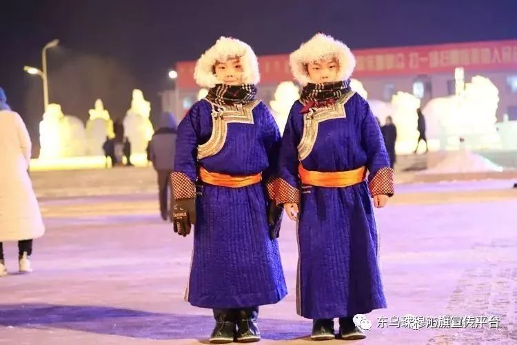 乌珠穆沁传统民族服饰,美得惊艳众人 第17张