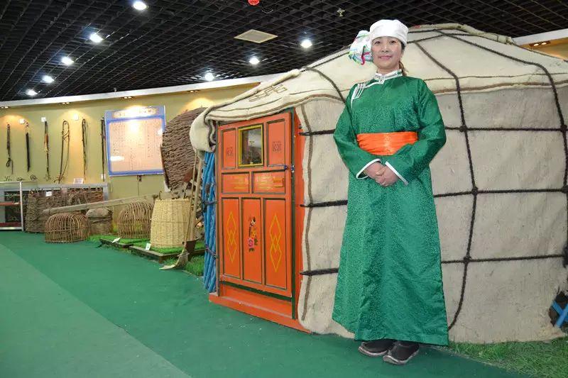 【非遗家园】【民俗】阿巴嘎传统服饰——列入第五批自治区级非物质文化遗产名录 第3张