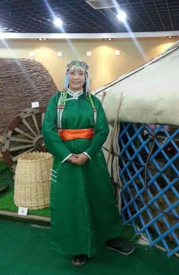 【非遗家园】【民俗】阿巴嘎传统服饰——列入第五批自治区级非物质文化遗产名录 第8张