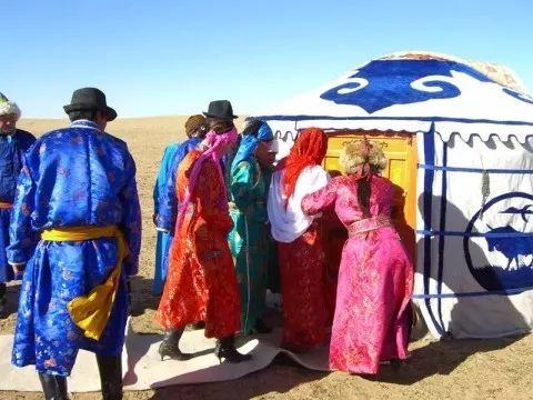 【乌拉特文化】自治区级非物质文化遗产——乌拉特婚礼 第4张 【乌拉特文化】自治区级非物质文化遗产——乌拉特婚礼 蒙古文化