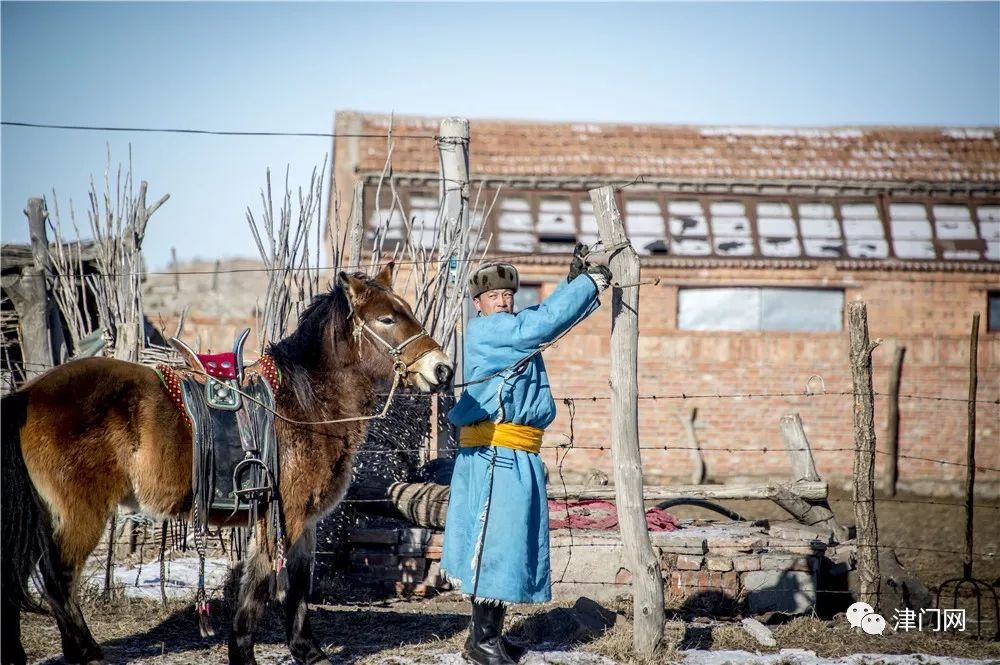 【内蒙名家】管永新摄影作品赏析 · 蒙古人祭火 第14张