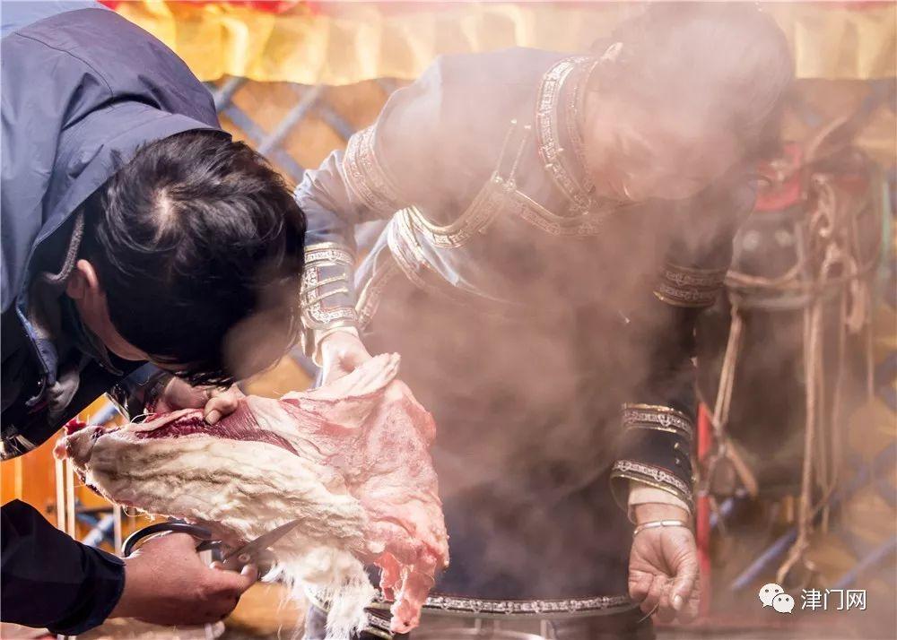 【内蒙名家】管永新摄影作品赏析 · 蒙古人祭火 第13张