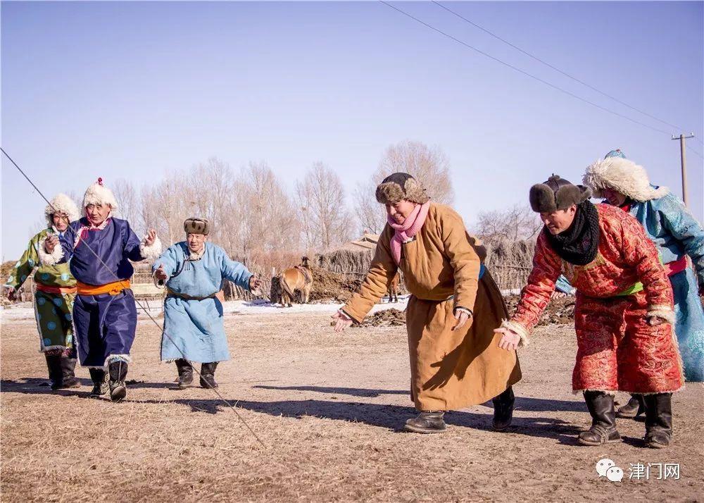 【内蒙名家】管永新摄影作品赏析 · 蒙古人祭火 第18张