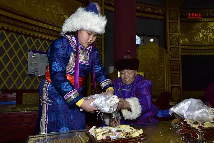 蒙古族祭火流淌出来的年味 第4张 蒙古族祭火流淌出来的年味 蒙古文化