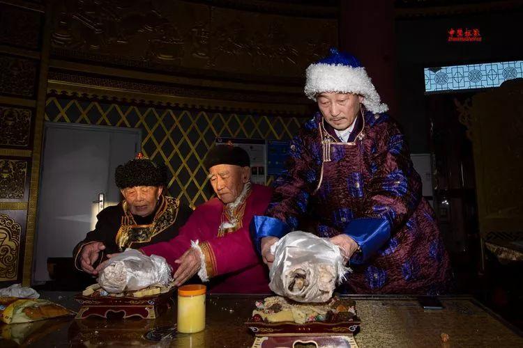 蒙古族祭火流淌出来的年味 第5张 蒙古族祭火流淌出来的年味 蒙古文化