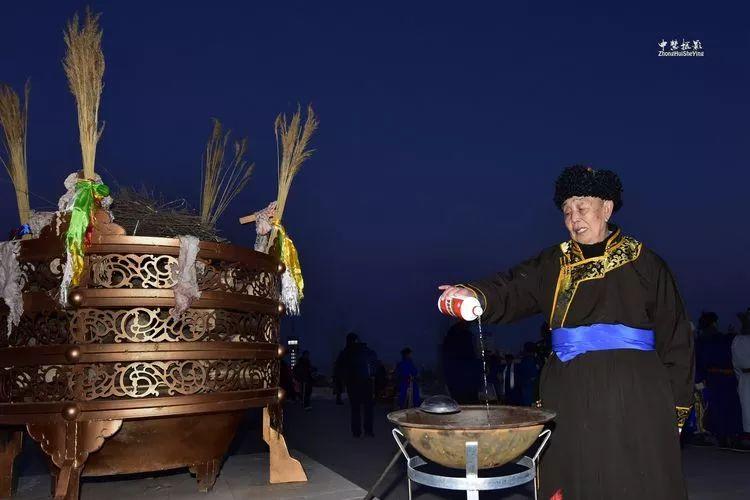 蒙古族祭火流淌出来的年味 第21张 蒙古族祭火流淌出来的年味 蒙古文化