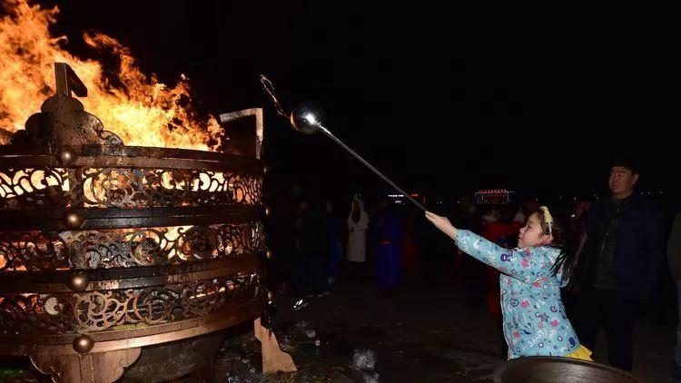 蒙古族祭火流淌出来的年味 第35张 蒙古族祭火流淌出来的年味 蒙古文化