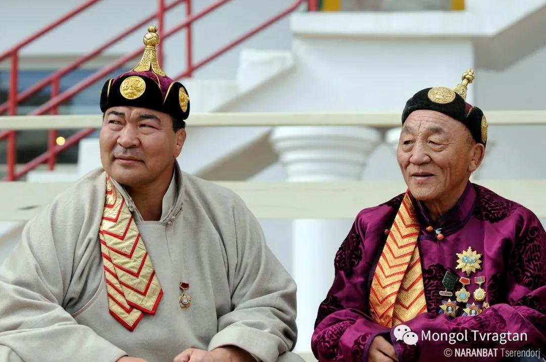 ᠮᠣᠩᠭᠤᠯ ᠰᠡᠭᠦᠳᠡᠷ- ᠴ᠂ ᠨᠠᠷᠠᠨᠪᠠᠲᠤ 第3张 ᠮᠣᠩᠭᠤᠯ ᠰᠡᠭᠦᠳᠡᠷ- ᠴ᠂ ᠨᠠᠷᠠᠨᠪᠠᠲᠤ 蒙古文化