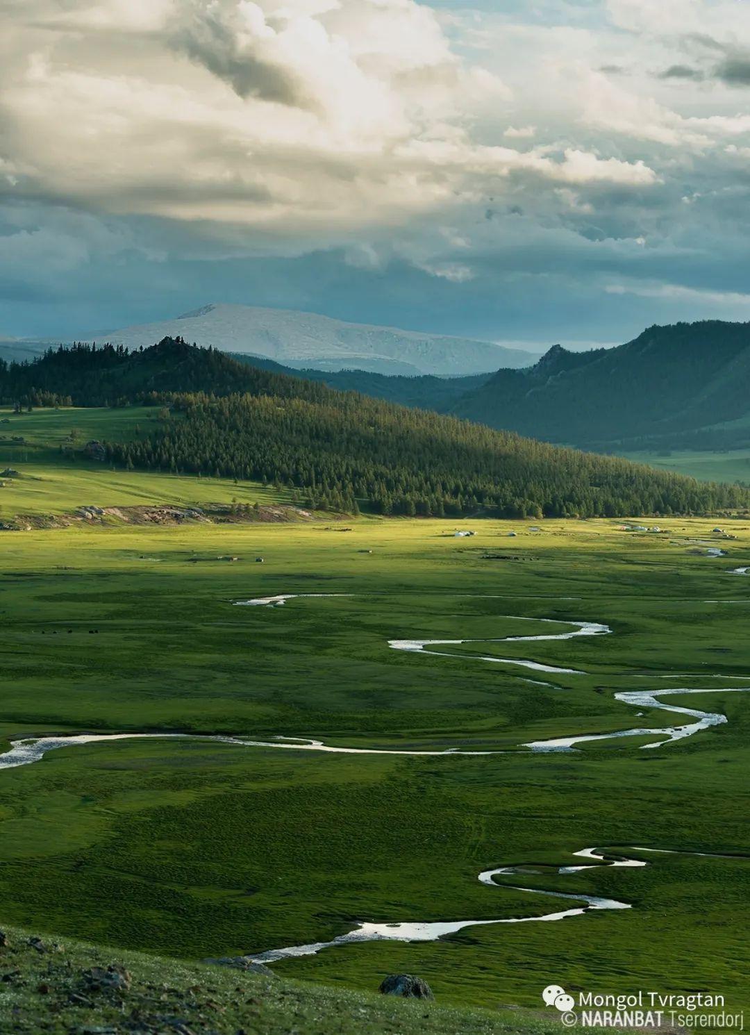ᠮᠣᠩᠭᠤᠯ ᠰᠡᠭᠦᠳᠡᠷ- ᠴ᠂ ᠨᠠᠷᠠᠨᠪᠠᠲᠤ 第20张 ᠮᠣᠩᠭᠤᠯ ᠰᠡᠭᠦᠳᠡᠷ- ᠴ᠂ ᠨᠠᠷᠠᠨᠪᠠᠲᠤ 蒙古文化