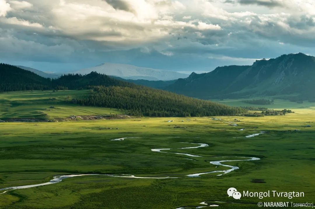 ᠮᠣᠩᠭᠤᠯ ᠰᠡᠭᠦᠳᠡᠷ- ᠴ᠂ ᠨᠠᠷᠠᠨᠪᠠᠲᠤ 第22张 ᠮᠣᠩᠭᠤᠯ ᠰᠡᠭᠦᠳᠡᠷ- ᠴ᠂ ᠨᠠᠷᠠᠨᠪᠠᠲᠤ 蒙古文化