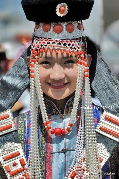 ᠮᠣᠩᠭᠤᠯ ᠰᠡᠭᠦᠳᠡᠷ- ᠴ᠂ ᠨᠠᠷᠠᠨᠪᠠᠲᠤ 第30张 ᠮᠣᠩᠭᠤᠯ ᠰᠡᠭᠦᠳᠡᠷ- ᠴ᠂ ᠨᠠᠷᠠᠨᠪᠠᠲᠤ 蒙古文化