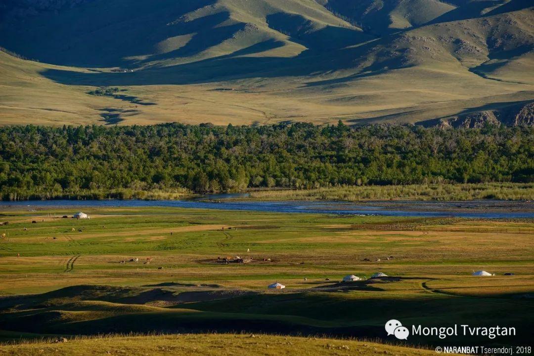 ᠮᠣᠩᠭᠤᠯ ᠰᠡᠭᠦᠳᠡᠷ- ᠴ᠂ ᠨᠠᠷᠠᠨᠪᠠᠲᠤ 第48张 ᠮᠣᠩᠭᠤᠯ ᠰᠡᠭᠦᠳᠡᠷ- ᠴ᠂ ᠨᠠᠷᠠᠨᠪᠠᠲᠤ 蒙古文化